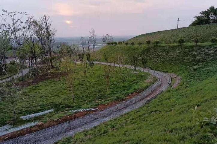 """明光积极打造首个""""生态公园式""""矿山"""